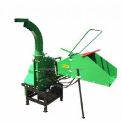 WC8 Pto Driven Wood Chipper 38L Hydraulic Oil Tank For Safety Rotor Lock System